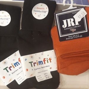 Baby socks, 2 black 1 orange